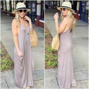 Mocha sleeveless maxi dress with Pockets